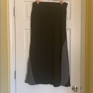 Maxi skirt Size 2X EUC black and gray